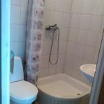 Łazienka w pokoju numer 2